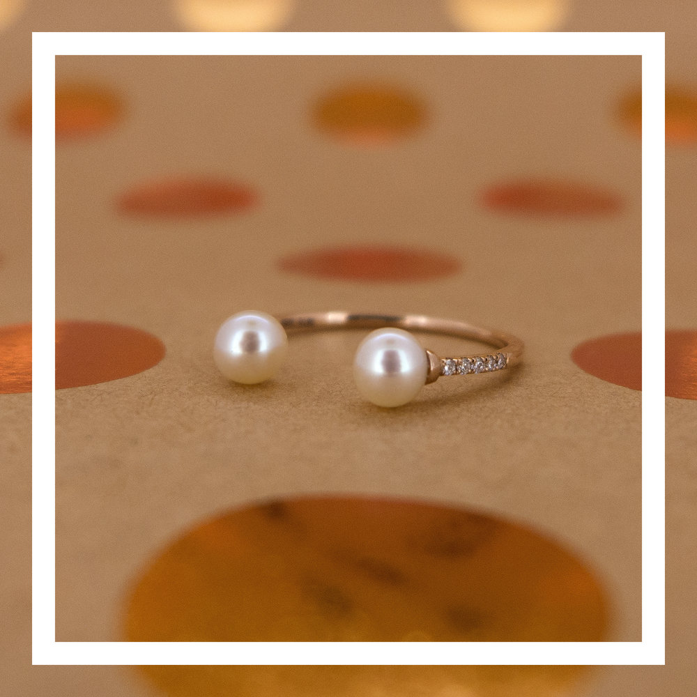 18K rose gold ring with pearls and VVS diamonds