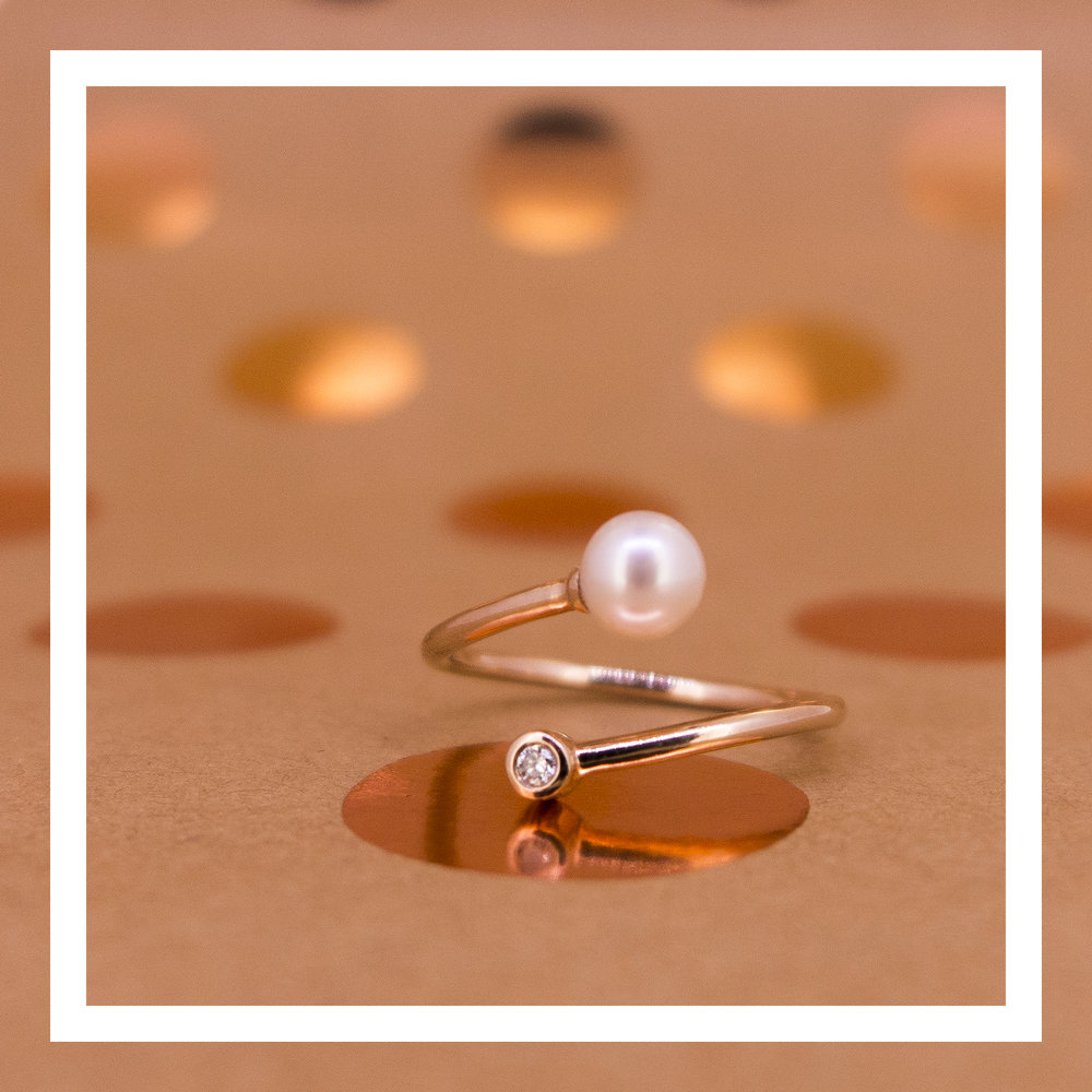 18K rose gold ring with pearl and VVS diamond