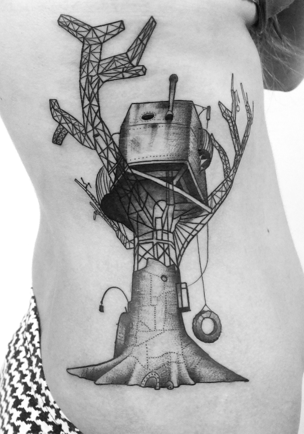 Berlin tattoo artist Prenzlauer Berg steampunk Blut und Eisen black dark dotwork graphic ink Ivan Antikapratika