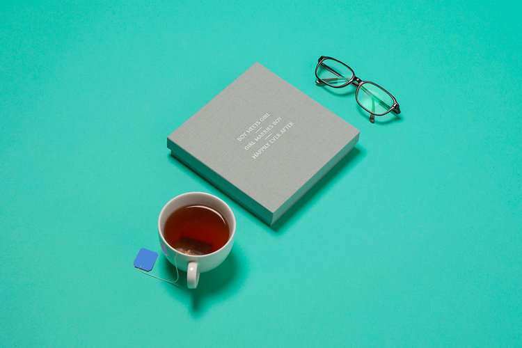 Box_Glasses_Tea.jpg