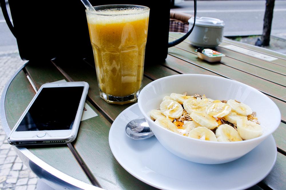 Travelers Café Porto