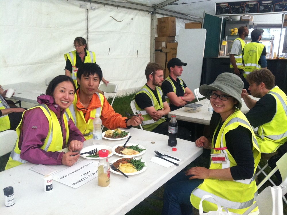 Lunch Time@ Hampton Court construction (from left: Saori I, Toshiya, Saori G) June 2016