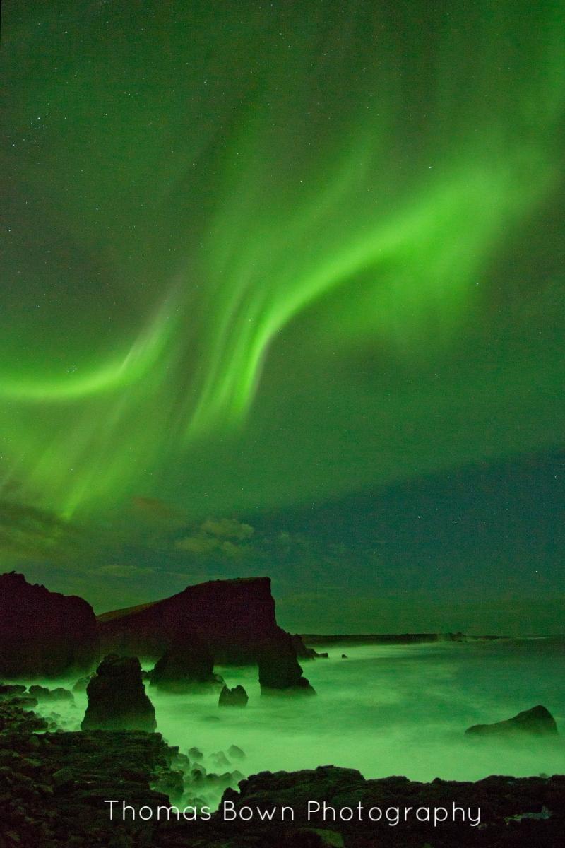 Aurora over the sea t Reykjanes