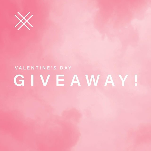 Valentine's Day is right around the corner, and we're teaming up with our favorite Nashville cookier ABC Bakery for a #GIVEAWAY!! Enter to win a dozen beautiful Valentine-themed cookies and the Mini Hammered Bar necklace! Tell your husband, mom, sister, bestie to enter and maybe they'll win and send it to you 😉  Instructions to enter: ☑️Like this post ☑️Be following both @noble.grey and @abc.bakery, and ☑️Tag a friend! Each tag gets you an additional entry!  The contest closes Thursday morning and winners will be announced that day! The cookies and necklace will ship Monday, 2/11 and will arrive just in time for V Day. Good luck!!