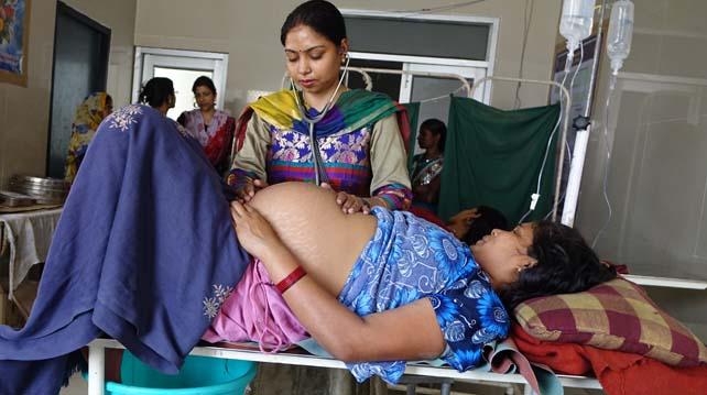 Rajmi-Katiyar-Doctor-at-Chaubepur-Community-Health-Centercrop.jpg