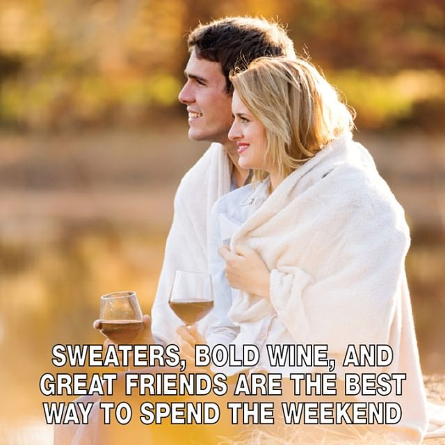 What wines do you like sharing on the weekend?⠀⠀⠀⠀⠀⠀⠀⠀⠀ .⠀⠀⠀⠀⠀⠀⠀⠀⠀ .⠀⠀⠀⠀⠀⠀⠀⠀⠀ .⠀⠀⠀⠀⠀⠀⠀⠀⠀ #fall #autumn #wtso #winestilsoldout #wine #winelover #winelife #wineonline