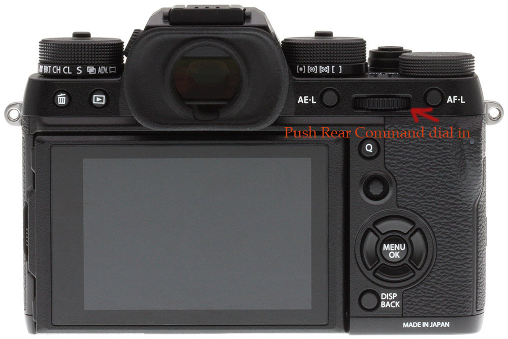 Push in Rear Command dial and image will be 100% in EVF or Live Screen