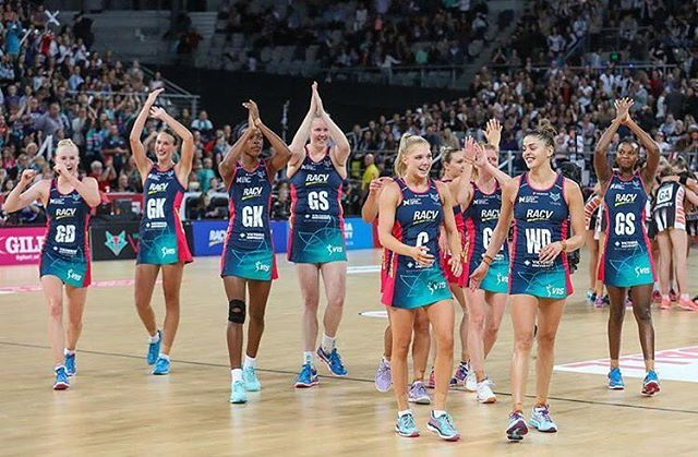 This is so cool: the WHOLE @melbournevixensofficial squad has re-signed for the 2018 @supernetball season! Talk about gals who stick together 👊 RG: @katemoloney_ #sportstory #newhero