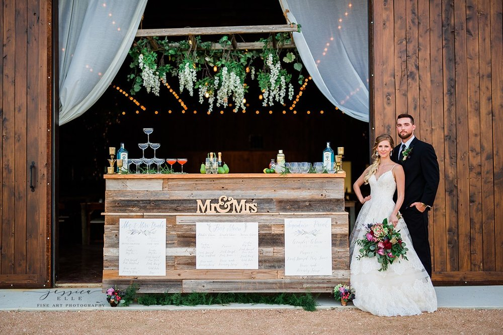 Can't you imagine your bar set up like this for your cocktail hour?! Thank you to  Bartenders 4 You r for creating a this amazing bar set up!Photo Credit:  Jessica Elle Photography