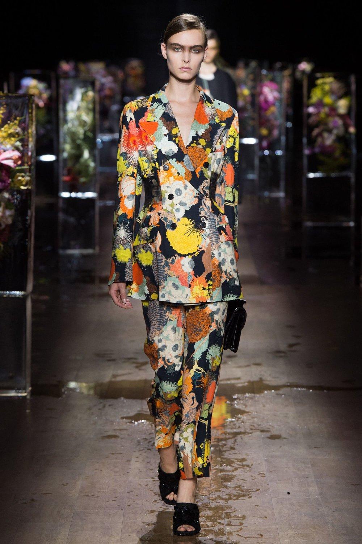 Dries Van Noten Spring Summer 2017 Ready to Wear. Source: Vogue