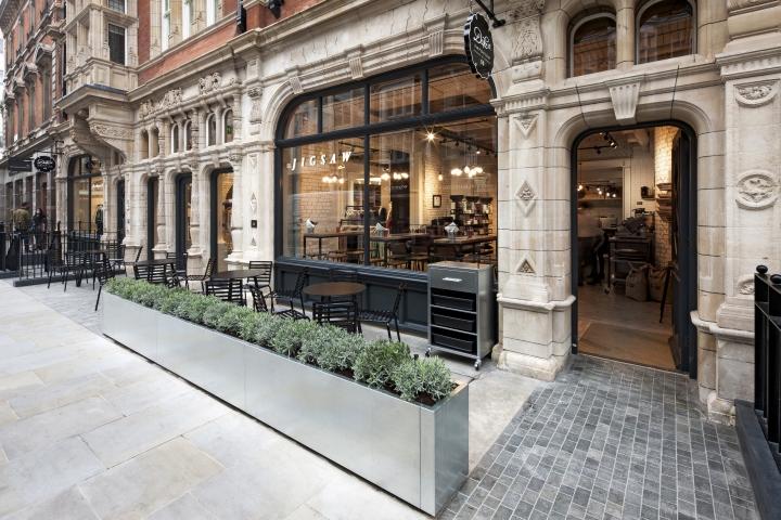Jigsaw-Duke-Street-Emporium-by-Dalziel-and-Pow-London-UK-11.jpg