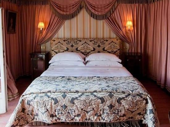 L'Hotel,13 Rue des Beaux Arts, 75006