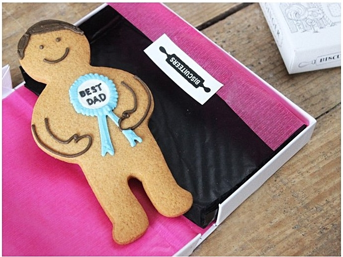 World's Best Dad Jolly Ginger £6.00 by Biscuiteers