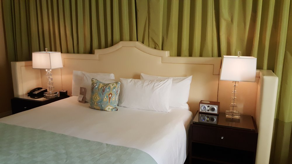 Elegant Glamour at Hotel deLuxe