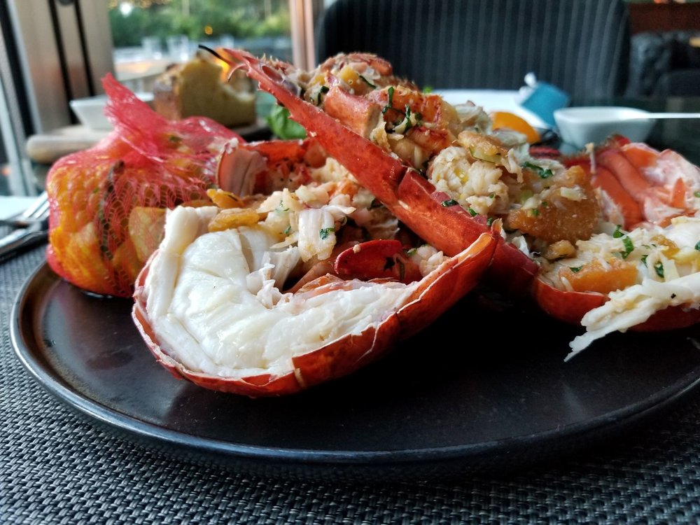 The Victor at the JW serves up fresh seafood