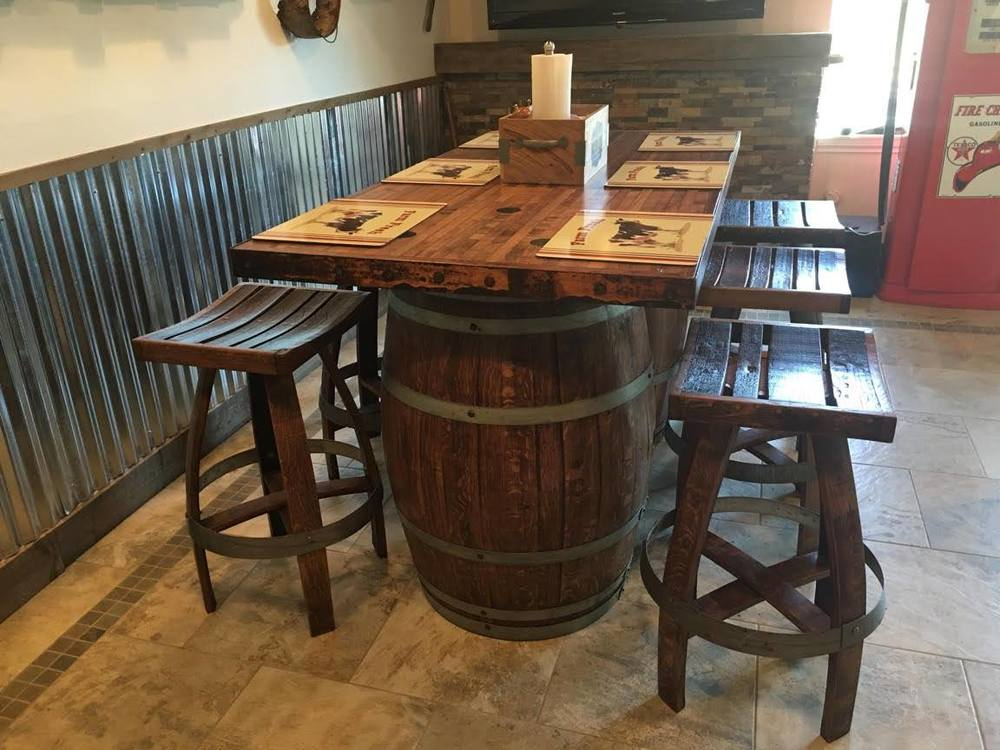 Tables wine decor usa for 1 2 wine barrel table
