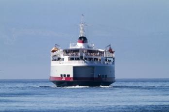 Ferry 123rf61436316_s.jpg