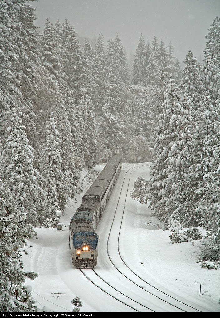 California Zephyr line going through the Sierras. Image courtesy of Railpictures.net