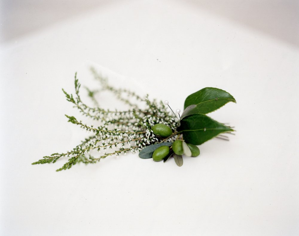 Heather and olive buttonhole.jpg