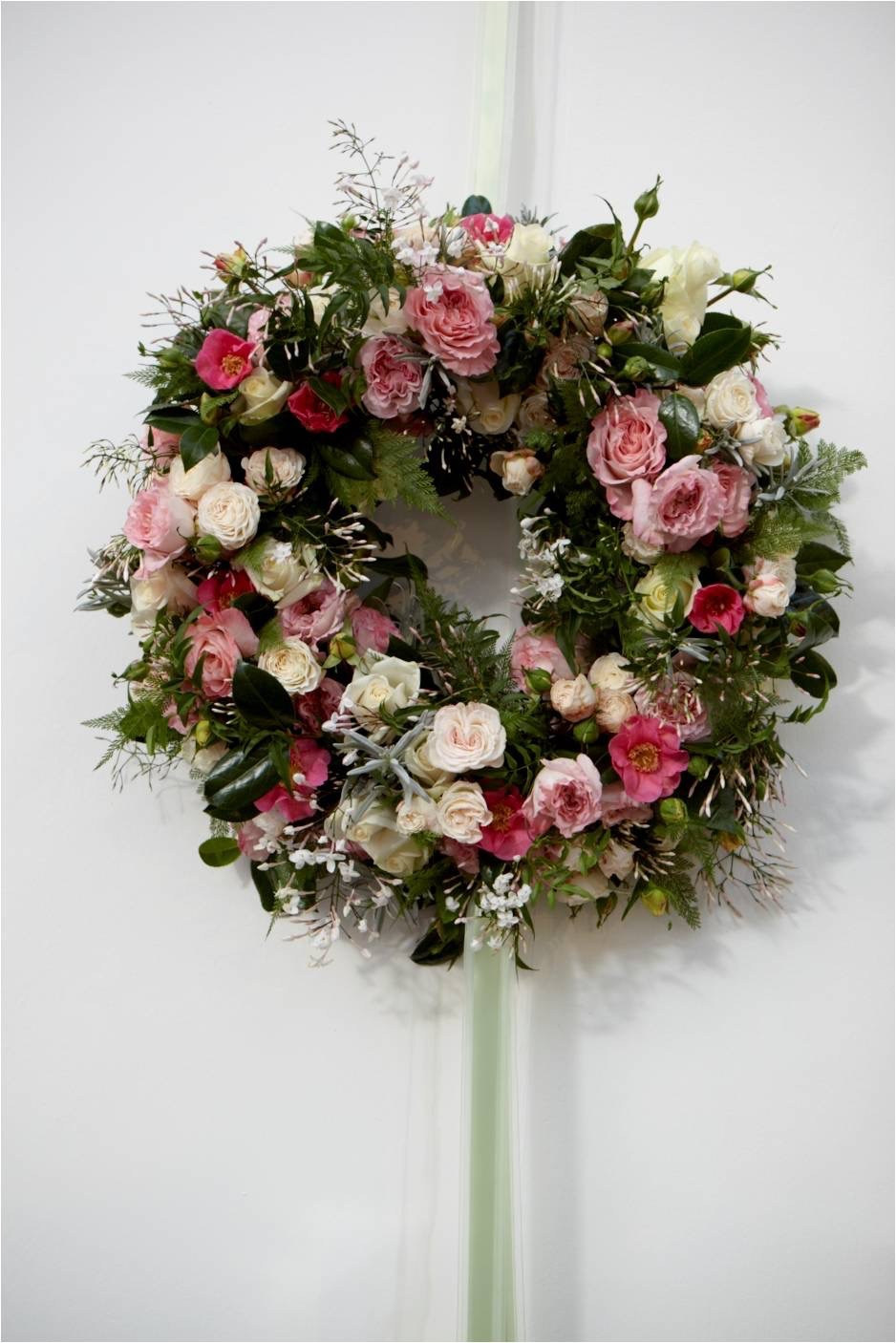 Wreath pinks and green (nws2010).jpg