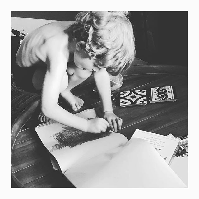 Hanging with my nephew Theo... who was so into his artwork that he had to squat up on the table to be one with his work. 😂 🎨 😍 . . . . #lovebeinganaunt #littleartist #expressyourself #childhoodmemories