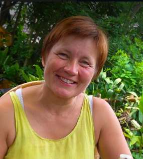 Taina Koskimaki - I knew, that I had tension in my stomach. Some old, heavy, emotions were stuck there. I thought that the Chi Nei Tsang, training could be the answer to me and to my pains in my stomach. Our teacher; Valerie Parisius, is a real Pearl. Her calmness and tranquility helped me to relax and learn a lot about my belly. Now I have tools how to take better care of myself. And also I learned to give session to other people! I am so enthusiastic about this method, so happy to practise and start giving sessions. Warm, big, thank you Valerie!