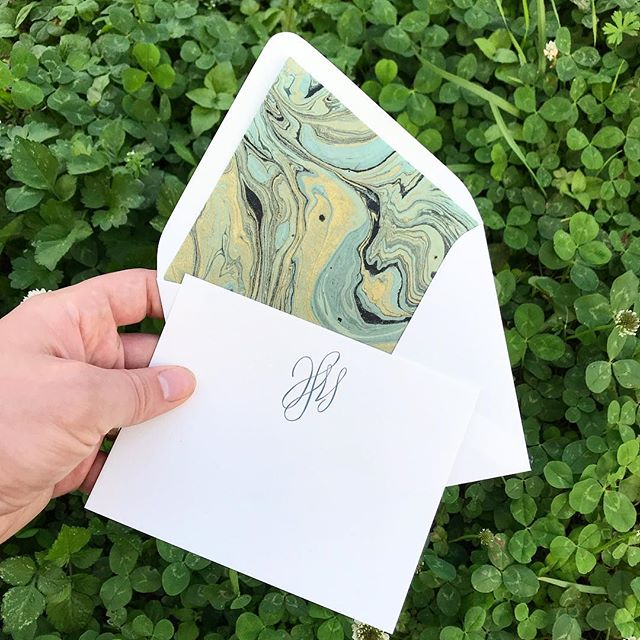 Nothing like some custom cut handmade marbled paper to set off some stationery. This one is fresh off the press for @pressedufour  #letterpress #marbledpaper #handmadepaper #stationery #monogram