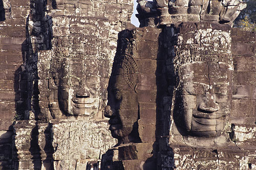 stone-heads-bodhisattva-500.jpg