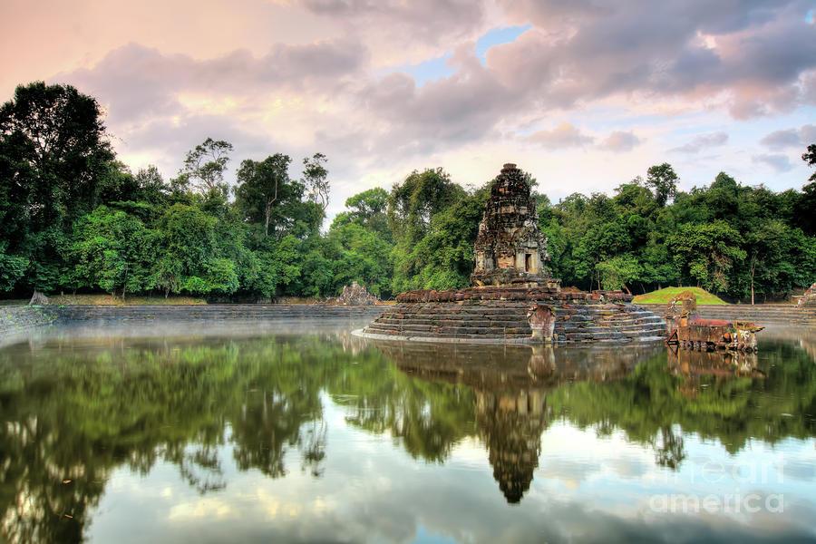 neak-pean-buddhist-temple-mothaibaphoto-prints.jpg