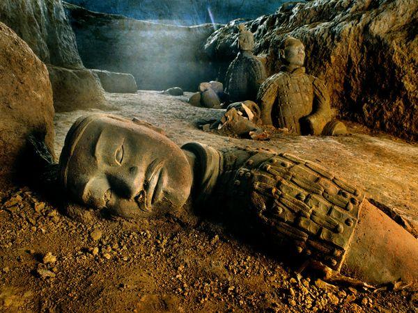 mausoleum-of-first-qin-emperor_28012_600x450.jpg