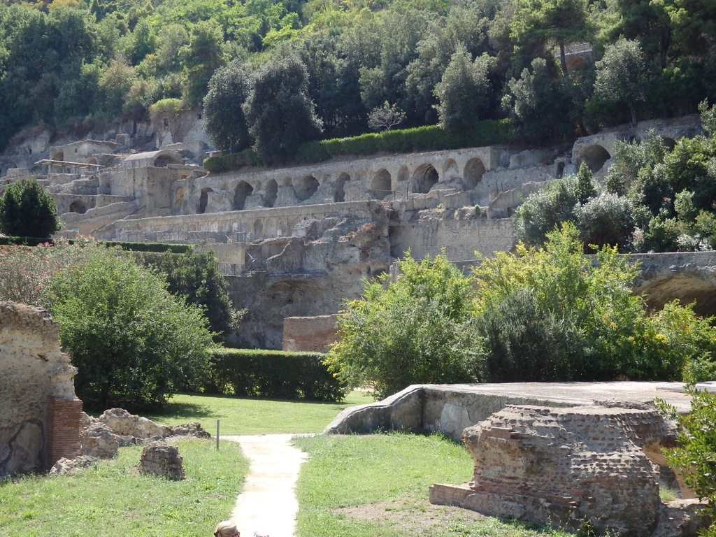Pathway leading to the thermal baths (Photograph taken by Susan Nelson)
