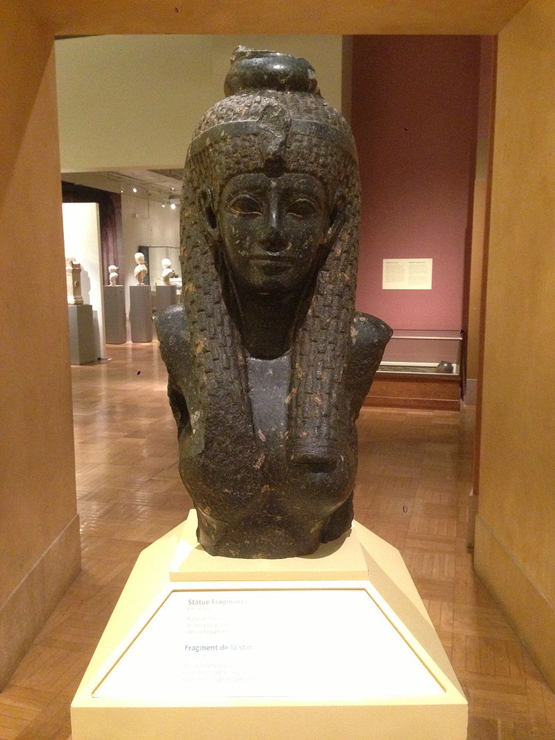 A head-on shot of the Bust of Cleopatra at the Royal Ontario Museum
