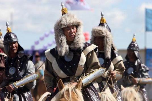 Mongol-Army-Genghis-Khan-Era-e1381346644155