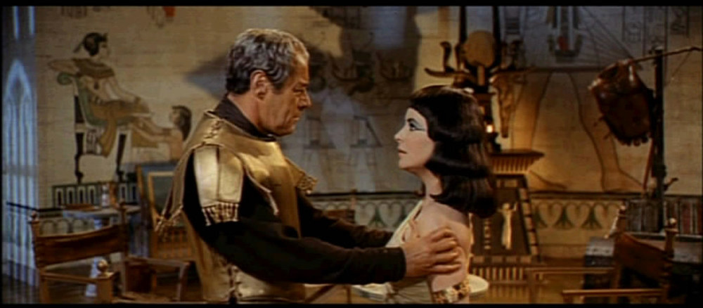 1963_Cleopatra_trailer_screenshot_34.jpg