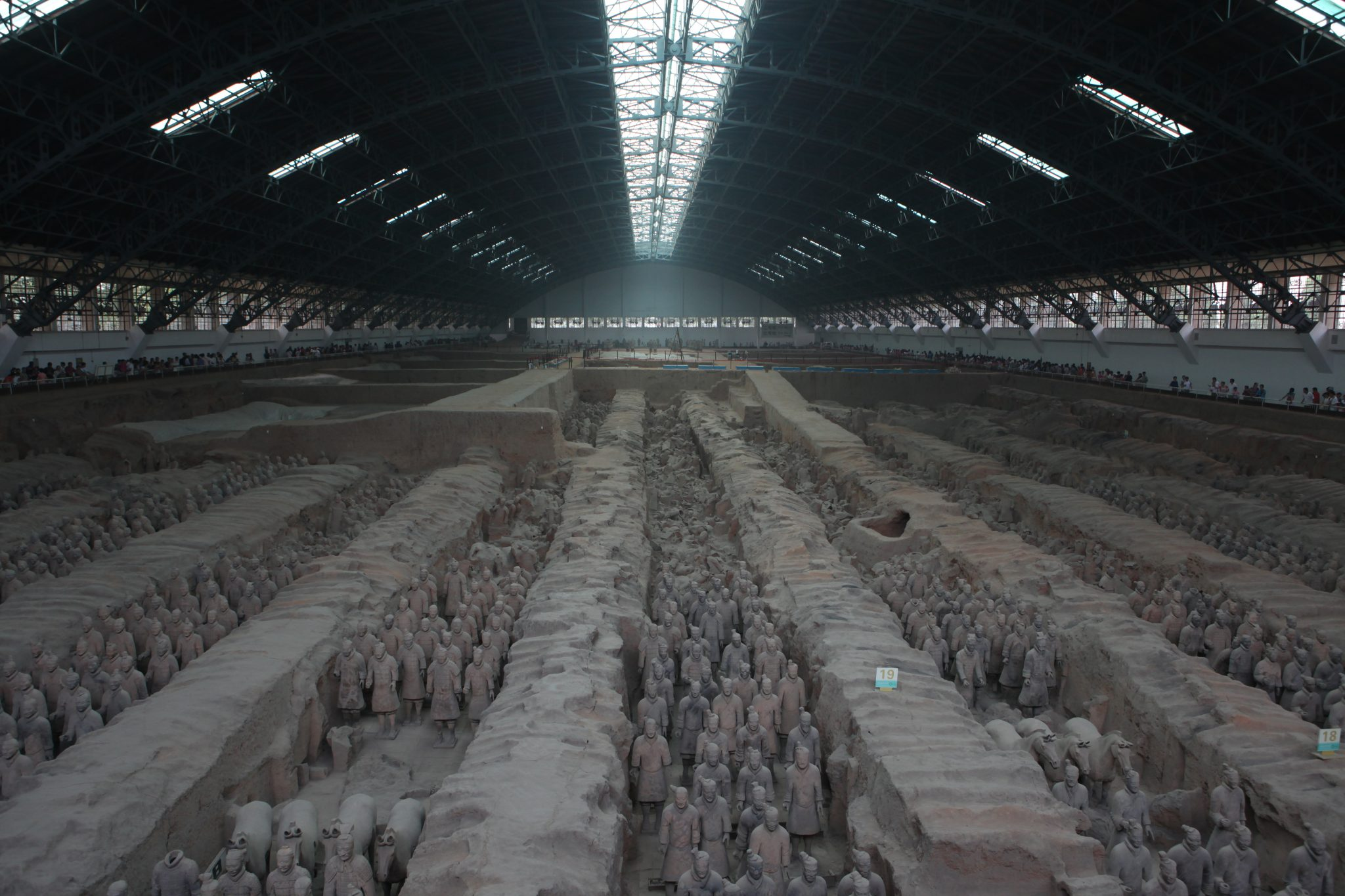 """Terracotta Army"", a collection of terracotta sculptures depicting the armies of Qin Shi Huang, the first Emperor of China @ Julie Laurent, 2011, CC BY-NC-ND 2.0"