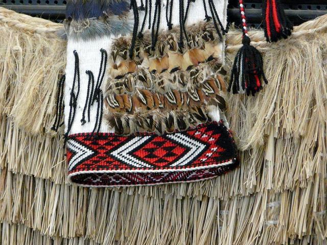 Māori weaving P1210933 By Jane Nearing [CC BY ND-2.0]