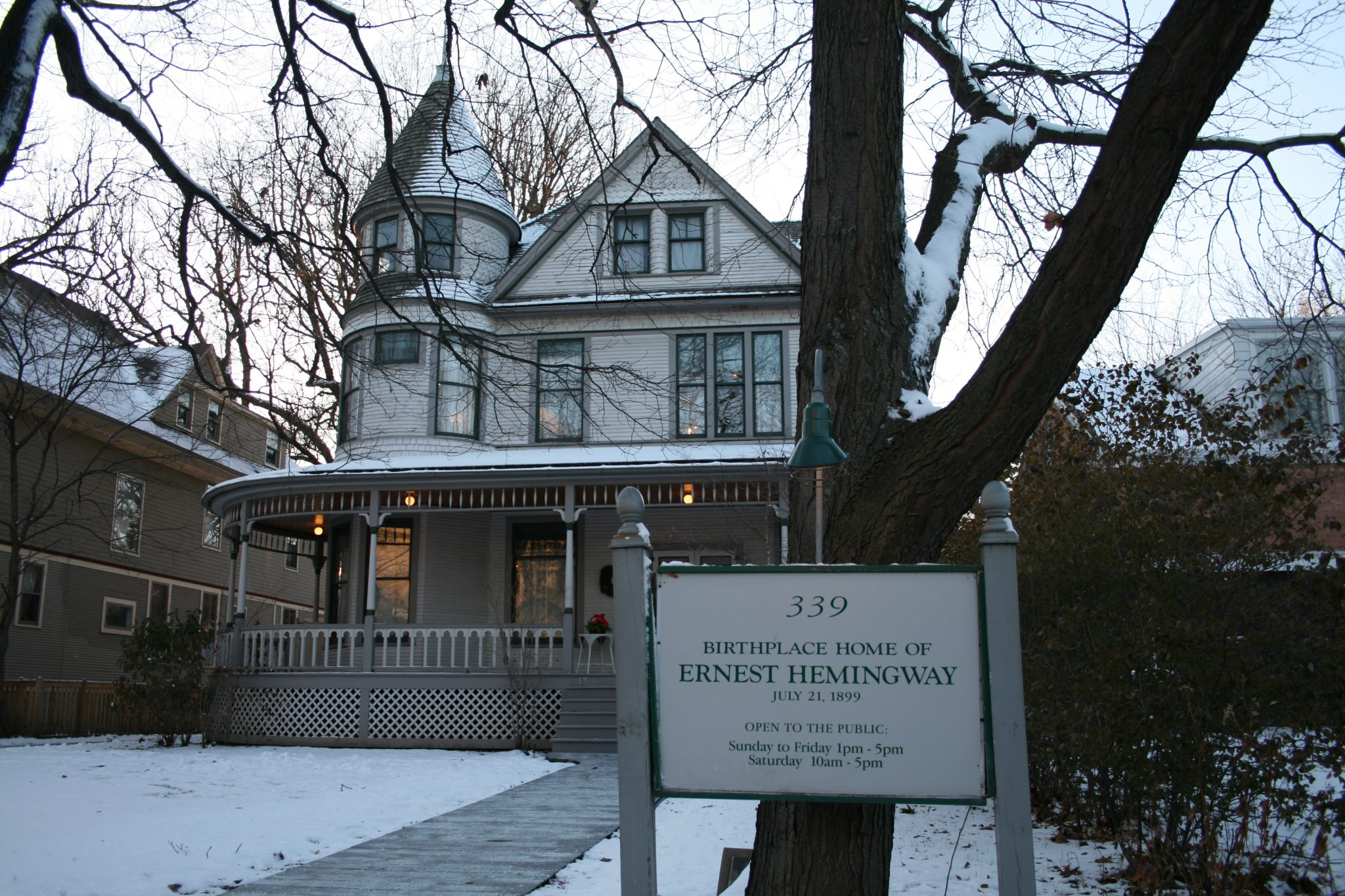 """Birthplace of Ernest Hemingway"", now open to the public @ Nekonomist, 2009, CC BY-NC-ND 2.0"