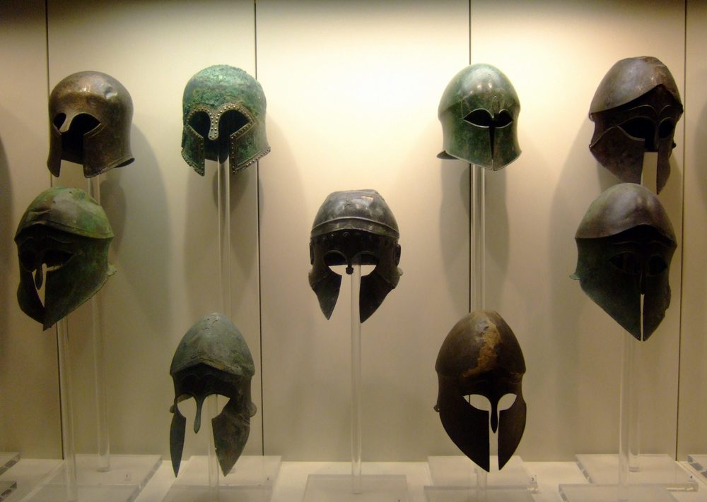 Ancient_Greek_helmets.jpg