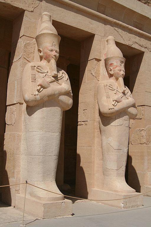 Osirian statue of Hatshepsut - Temple of Hatshepsut @ Luxor.By Steve F-E-Cameron (Merlin-UK) (Own work) [GFDLor CC BY-SA 3.0], via Wikimedia Commons.