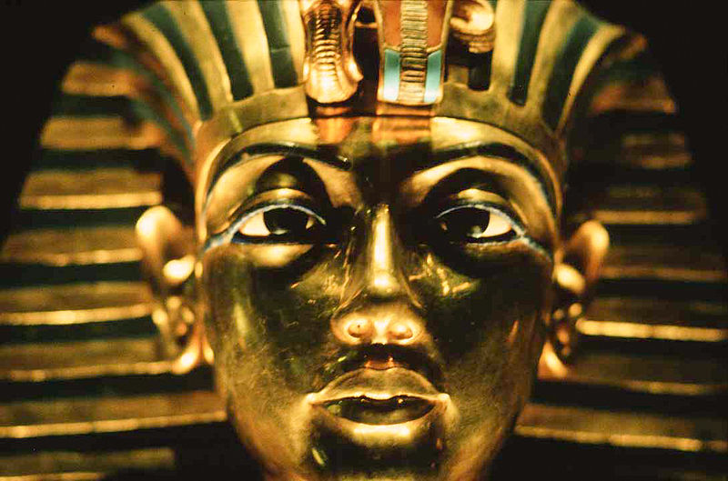 King Tut Ankh Amun Golden Mask. By Steve Evans (Flickr) [ CC BY 2.0 ]  , via  Wikimedia Commons
