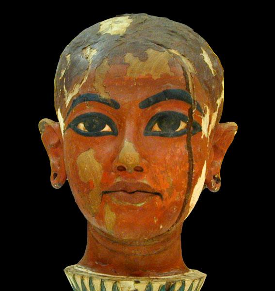 King Tête de Toutânkhoman enfant (musée du Caire/Egypte). By Jean-Pierre Dalbéra [CC BY 2.0], via Flickr