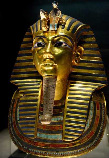 Tuthankamen's famous burial mask, on display in the Egyptian Museum in Cairo. By Bjørn Christian Tørrissen ( Own work by uploader ) [ CC BY-SA 3.0 ], via  Wikimedia Commons