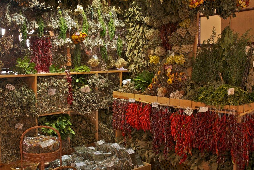 At Mercado dos Lavradores, Funchal. By Alexander Baxevanis. [ CC BY-SA 2.0  ], via Wikimedia Commons.