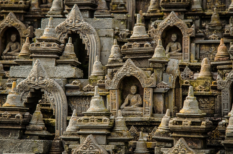 Borobudur temple by reggaelooper (Own Work) [Public Domain]via  Pixabay