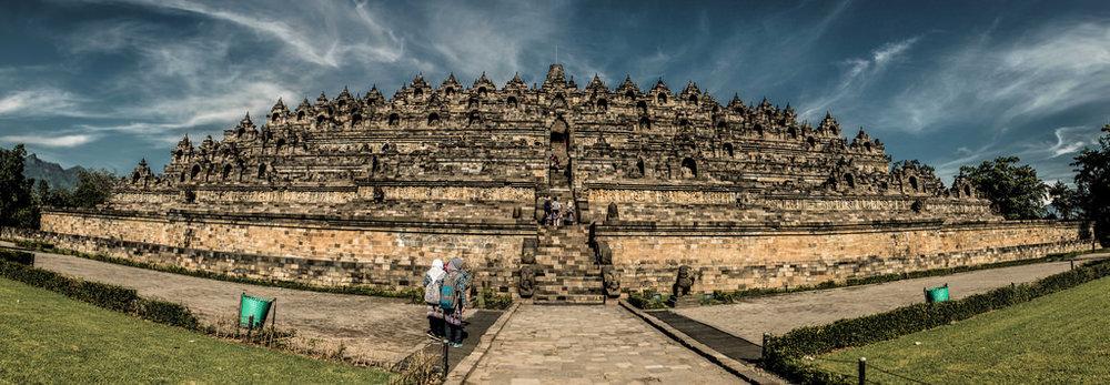 Borobudur by Hernan Irastorza via  Flickr [CC By 2.0]