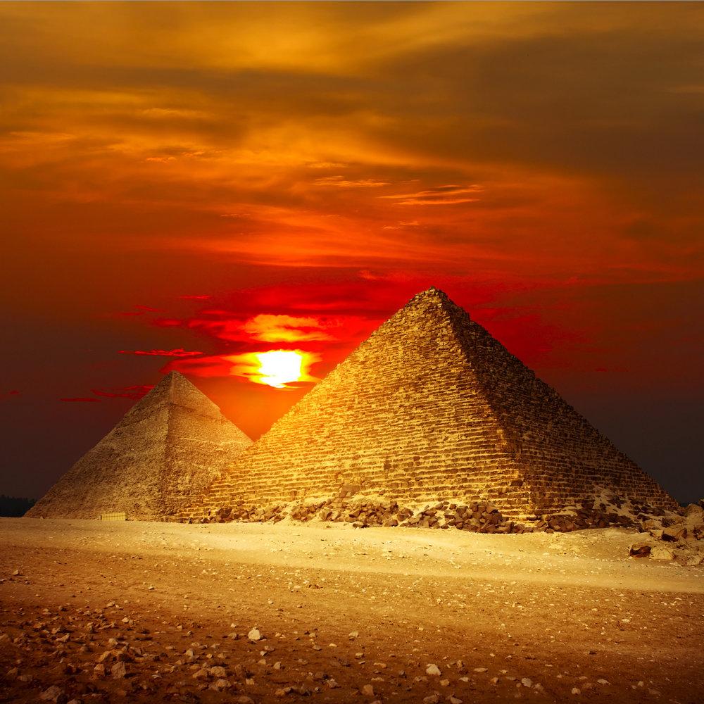 how were the pyramids in giza