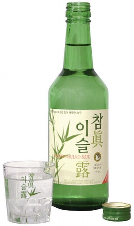 Picture of Jinro Soju by Geoff Martin via Wikimedia Commons