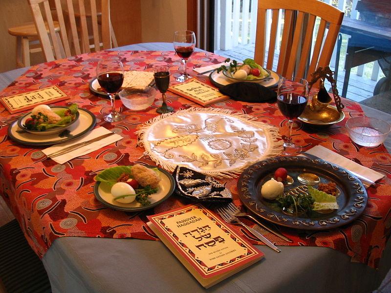 A modern day Seder setting