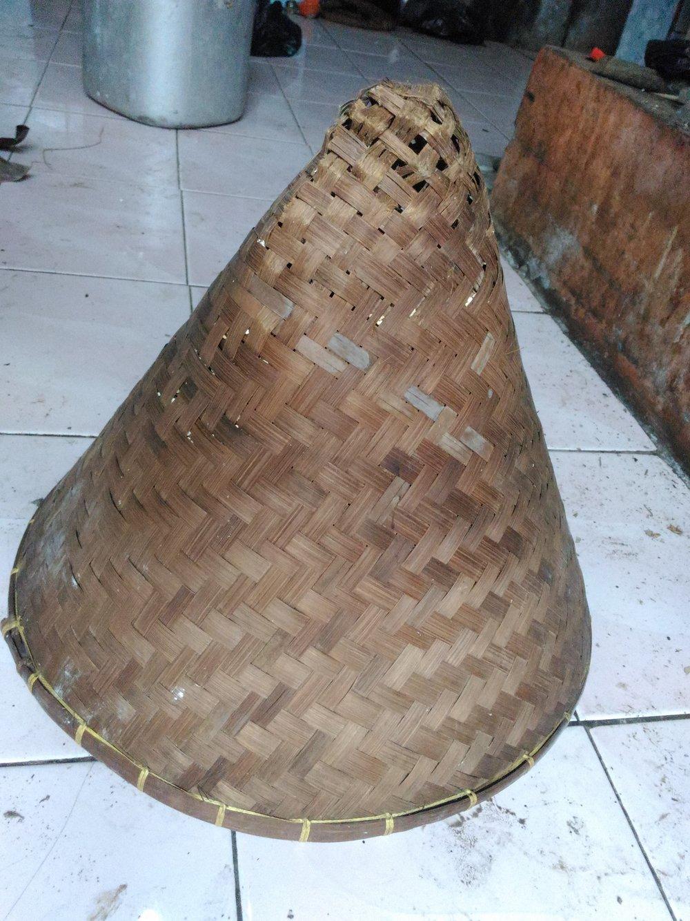 Basa Sunda: Aseupan. By Uchup19. [CC BY-SA 3.0]. Via Wikimedia Commons