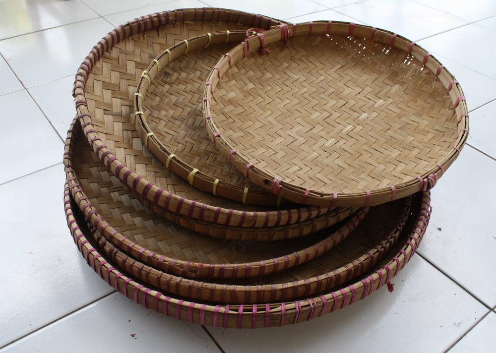 Na Vosa Vakaviti:   Nampah adalah salah satu alat yang dipakai untuk merampi bers. By PL09Puryono [CC BY-SA 3.0 or GFDL]. Via Wikimedia Commons.